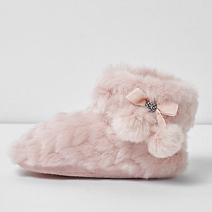 Girls pink fluffy pom pom bootie slippers
