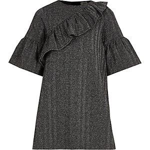Graues T-Shirt-Kleid mit Rüschen
