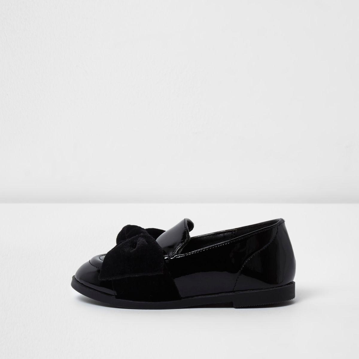 Schwarze Loafer mit Samtschleife
