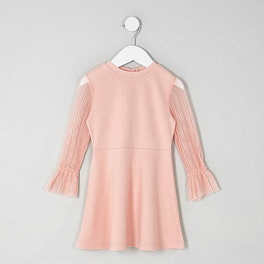 Mini girls pink plisse sleeve skater dress