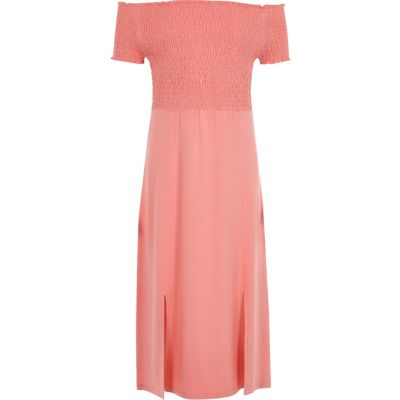River Island Koraalrode gesmokte maxi-jurk in bardotstijl voor meisjes