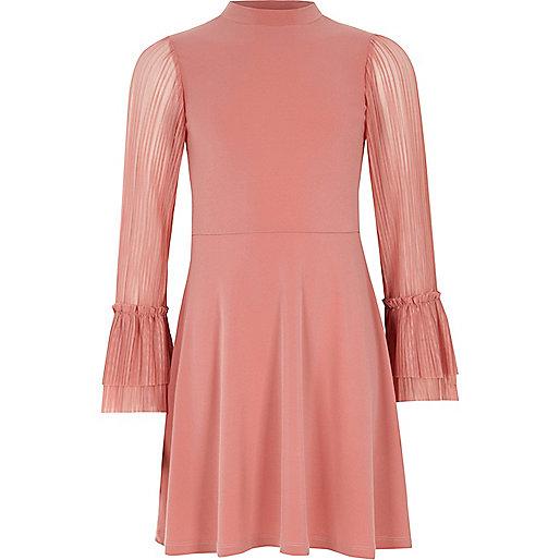 pinkes hochgeschlossenes kleid mit plissierten rmeln partykleider kleider m dchen. Black Bedroom Furniture Sets. Home Design Ideas