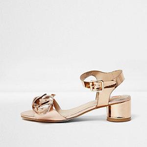 Sandales doré métallisé à talons carrés et nœud pour fille