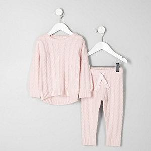 Ensemble avec pull en maille torsadée rose clair mini fille