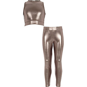 Girls silver metallic crop top outfit