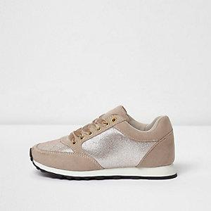 Pinke, glitzernde Sneaker zum Schnüren