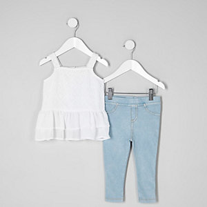 Mini girls white cami and jeggings outfit