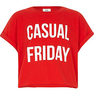 Girls red 'casual Friday' cropped T-shirt