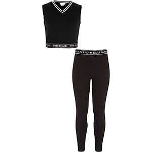 Girls black crop top and leggings outfit