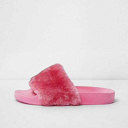 Girls pink fluffy sliders