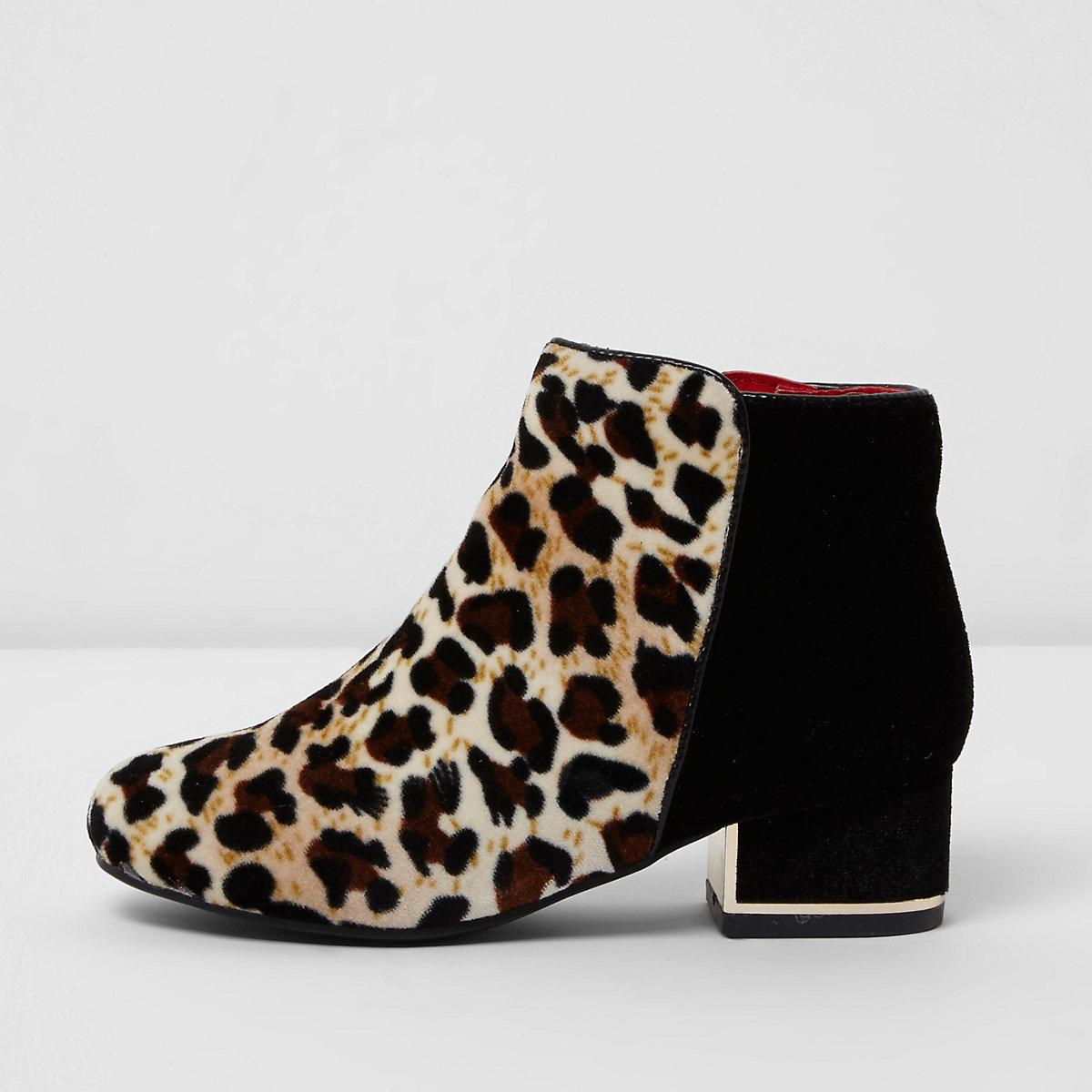 Girls beige leopard print block heel boots