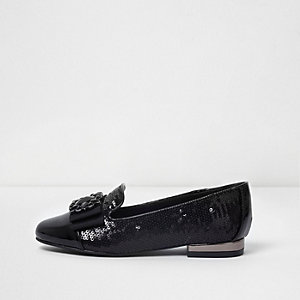 Girls black patent sequin brooch shoes