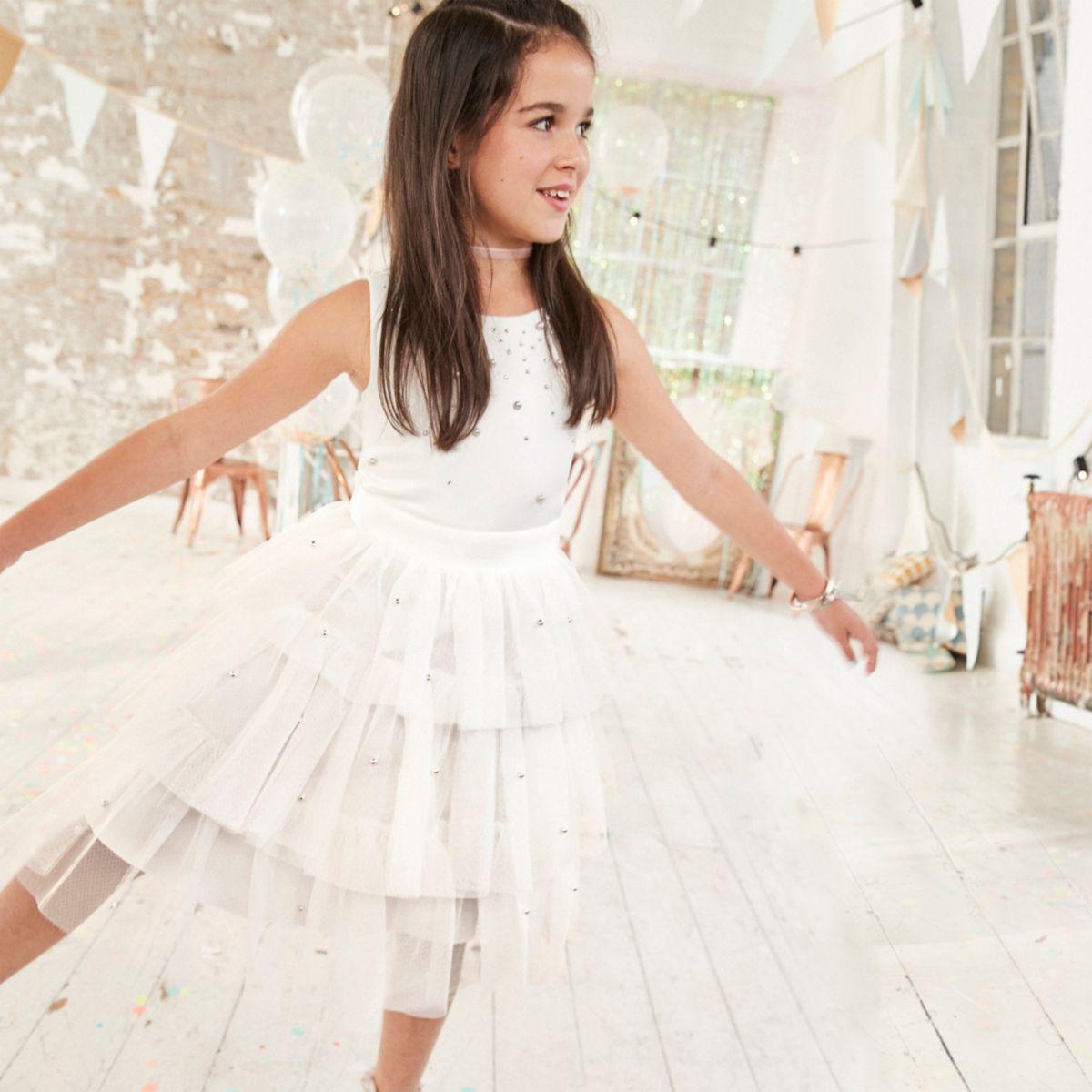 Robe de demoiselle d'honneur blanche ornée pour fille