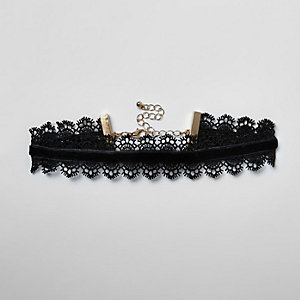 Girls black velvet lace trim choker