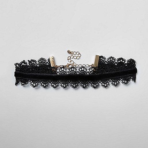 Girls black velvet lace trim choker