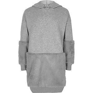 Grau meliertes Hoodie-Kleid mit Kunstfellbesatz