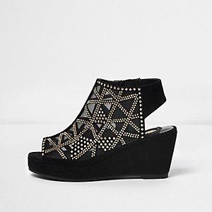 Chaussures compensées peep toe noires cloutées à talons pour fille