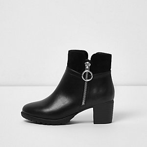 Girls black side ring zip block heel boots