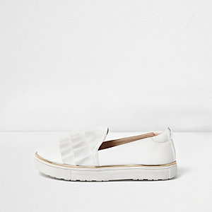Girls white ruffle slip on plimsolls