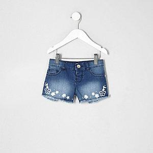 Blaue, bestickte Jeansshorts