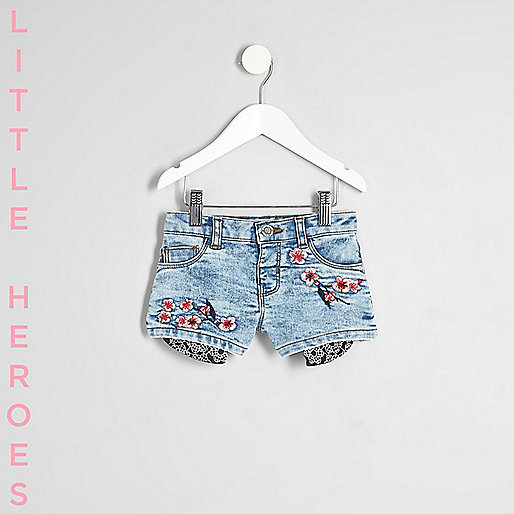 Mini girls blue floral denim shorts