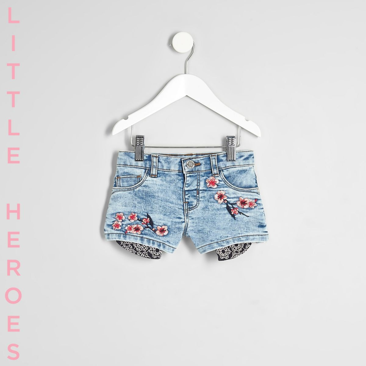Short en jean à fleurs bleu mini fille