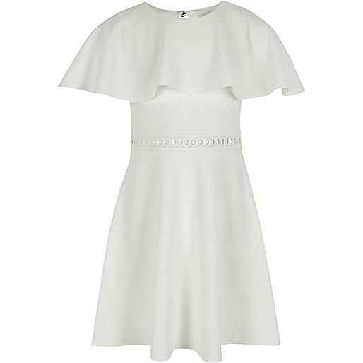 Witte jurk met capemouwen voor meisjes