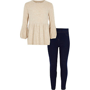 Girls beige peplum knit top outfit
