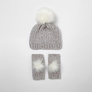 Girls grey chenille knit hat and mittens set