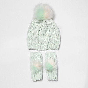 Girls light green chenille bobble hat set