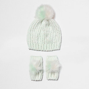 Mini girls green chenille hat and mittens set
