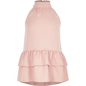Roze top met halternek en ruches langs de zoom voor meisjes