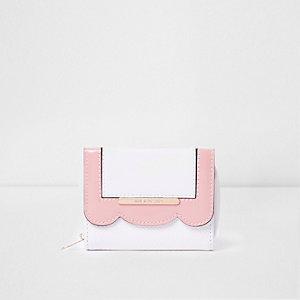 Girls white scallop edge foldout purse