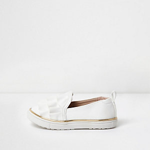Mini girls white ruffle slip on plimsolls