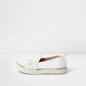 Mini girls white ruffle slip on plimsolls