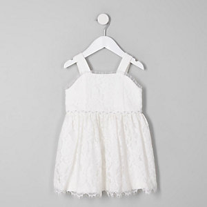 Mini girls white lace sleeveless dress
