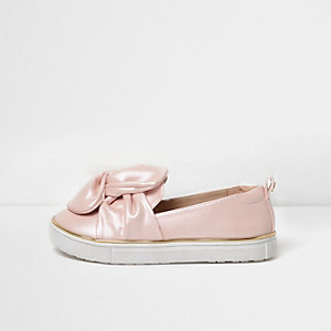 Girls pink bow front slip on plimsolls