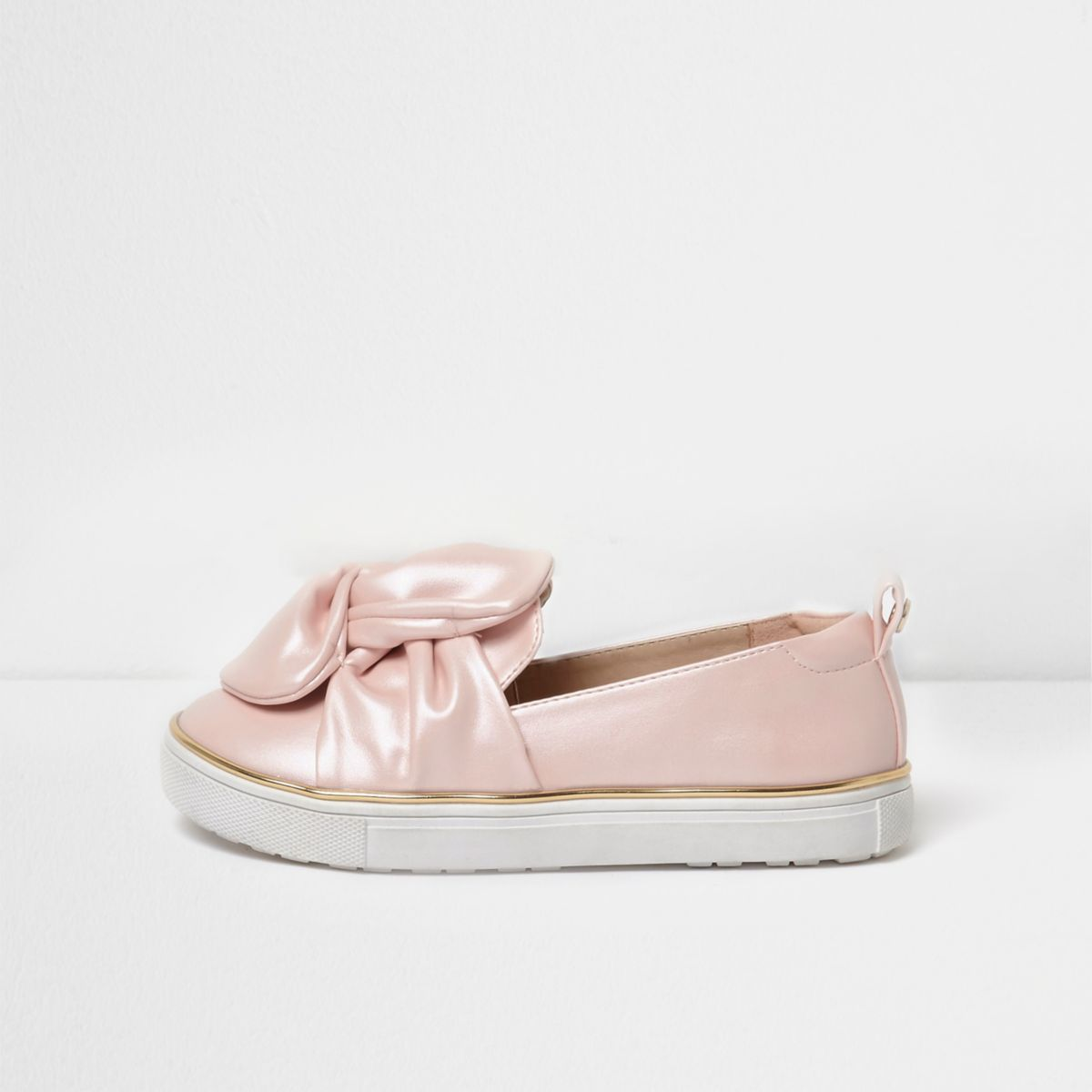 Girls pink bow front slip on plimsolls