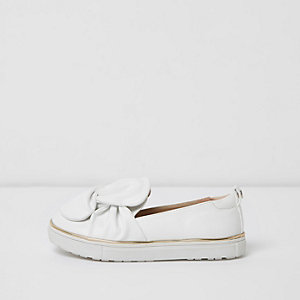 Girls white twist bow slip on plimsolls