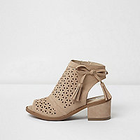 Girls beige laser cut tassel shoe boots