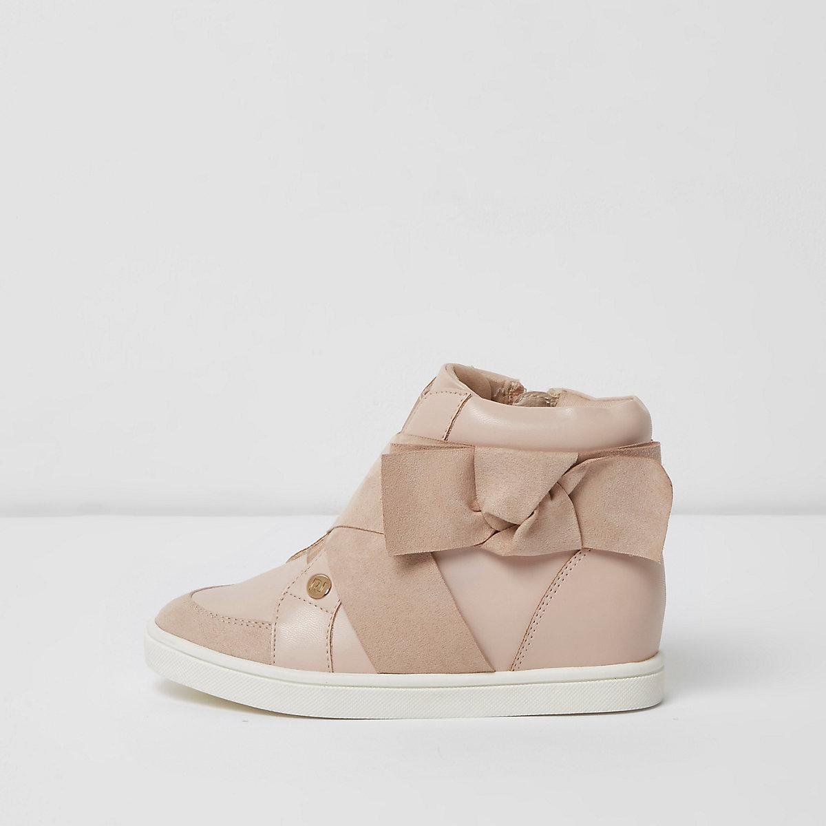 Pinke, hohe Sneakers mit Schleife