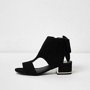 Zwarte schoenlaarsjes met uitsneden en strik achter voor meisjes