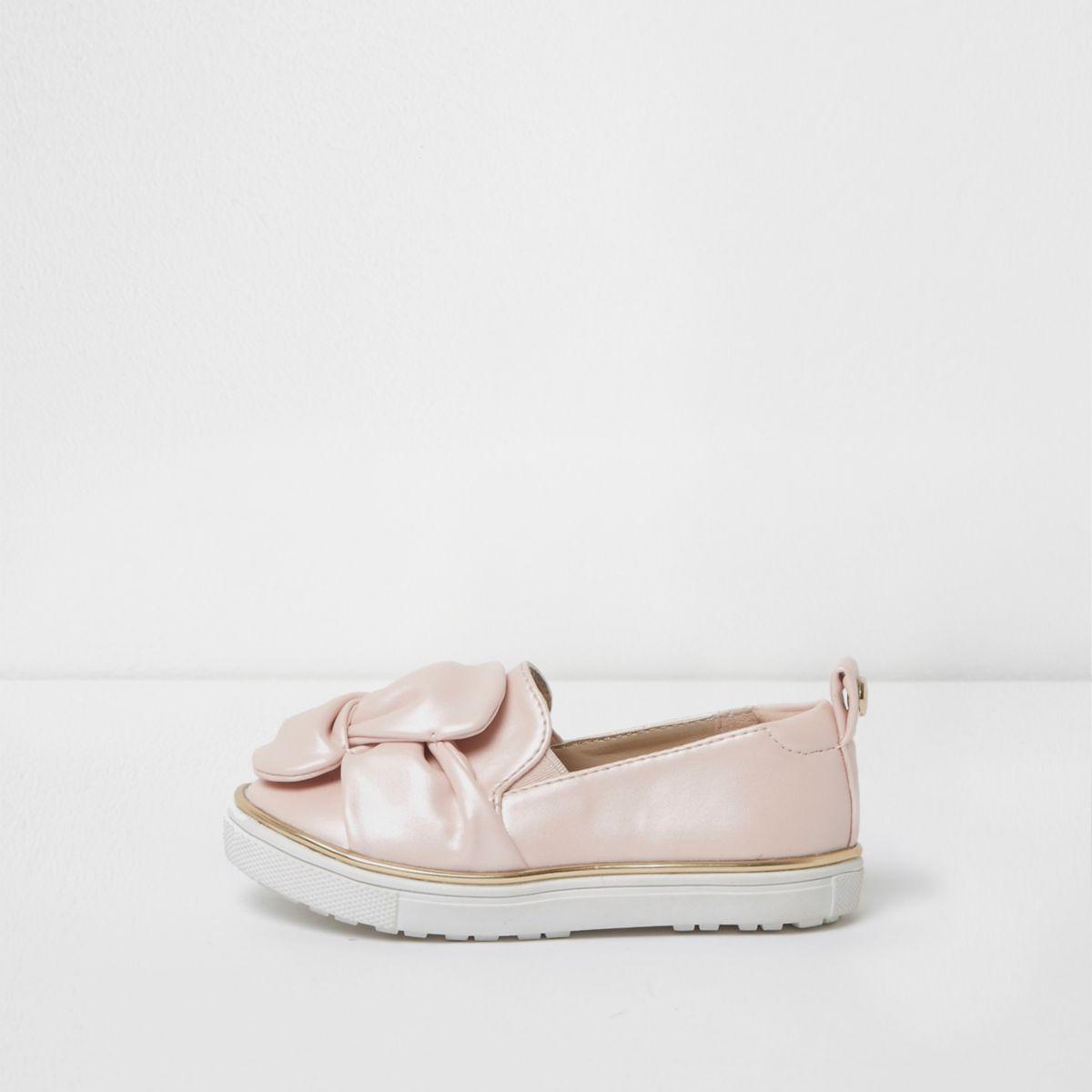 Mini girls pink twist slip on plimsolls