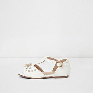 Mini - witte sandalen met versierd T-staafje voor meisjes