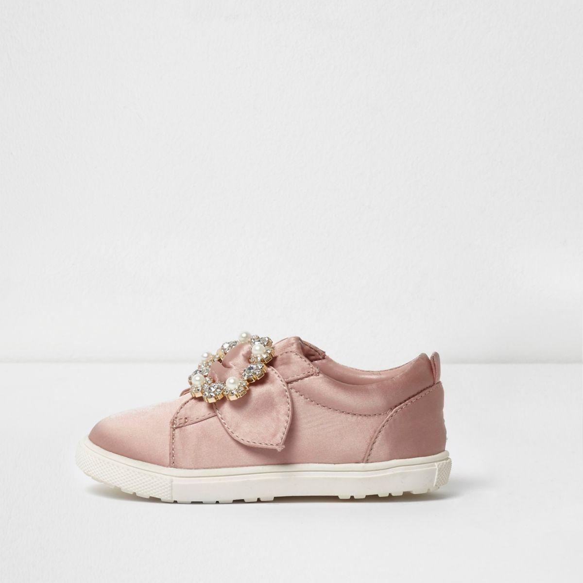 Mini girls pink brooch slip on plimsolls