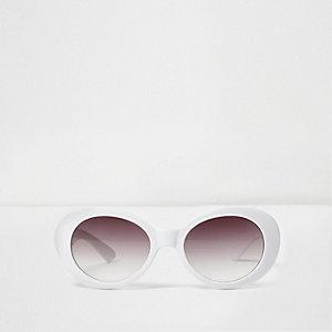 Witte ovaalvormige retro zonnebril voor meisjes