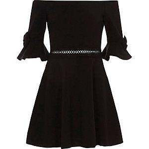 Robe Bardot noire avec nœud pour fille
