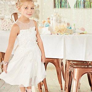 Weißes Kleid mit Tüllrock und 3D-Blume