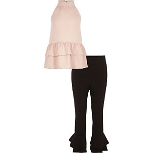 Meisjesoutfit van hoogsluitende roze top met legging