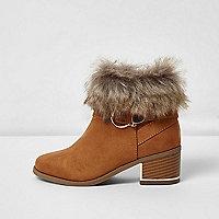 Girls tan faux fur trim block heel boots